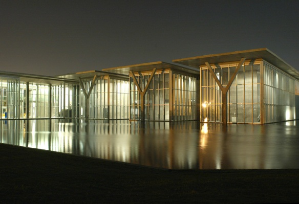 Japanese architect Tadao Ando designed the Modern Art Museum of Fort Worth, seen here at sunset against the 1.5 acre reflecting pond. Wow. This is by far the best photo in this post, by the way, which means I didn't take it. Liao Ysheng did and it's in ArchDaily.
